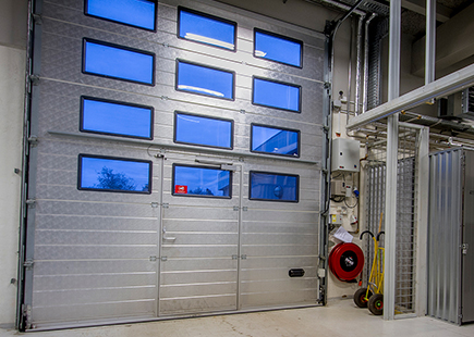 Indgangsport til opbevaringsrummene på Mågevej 17 i Hadsten